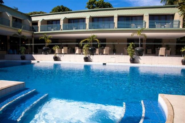 Gateway Hotel Pool
