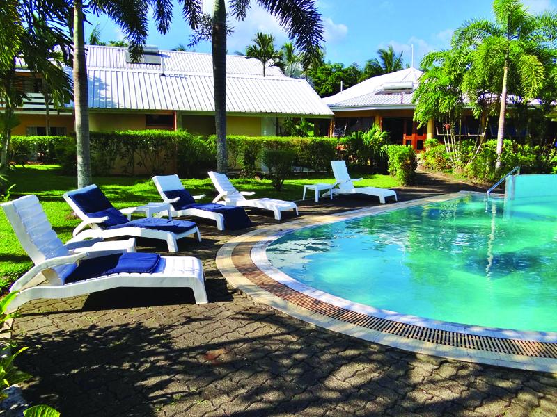 Alotau International Hotel Poolside