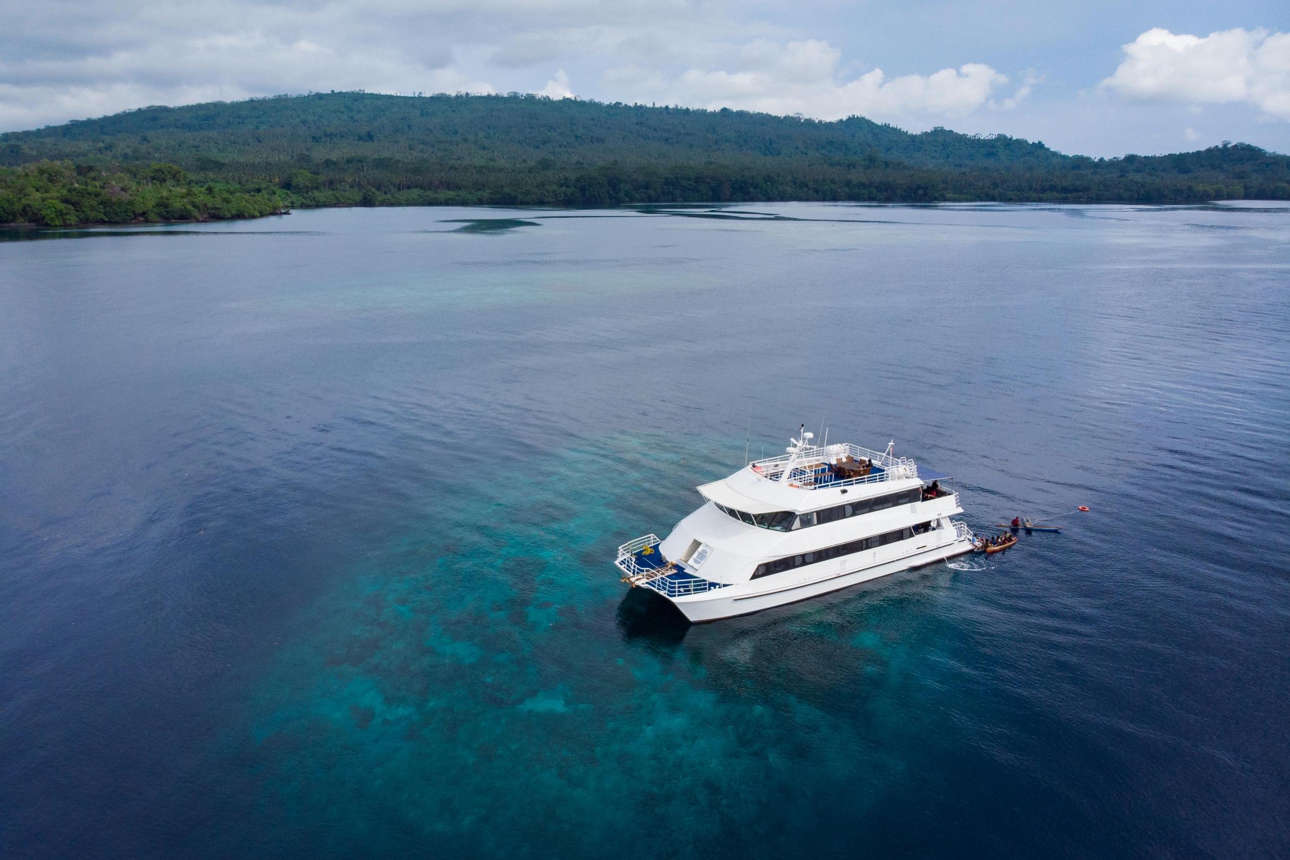 MV Oceania Aerial - (C) Grant Thomas