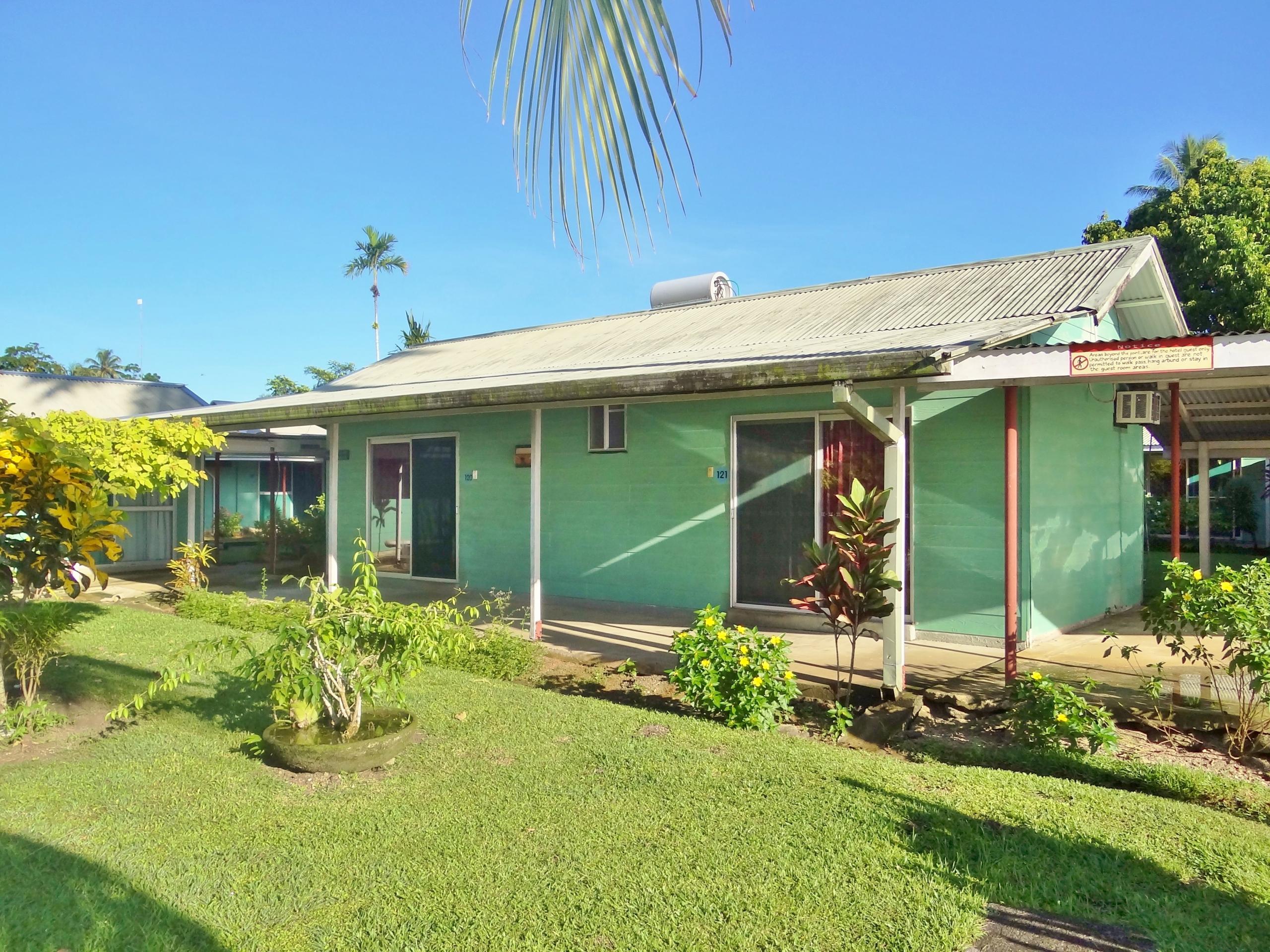Harbourside Hotel Standard Bungalows - (C) PNG Holidays