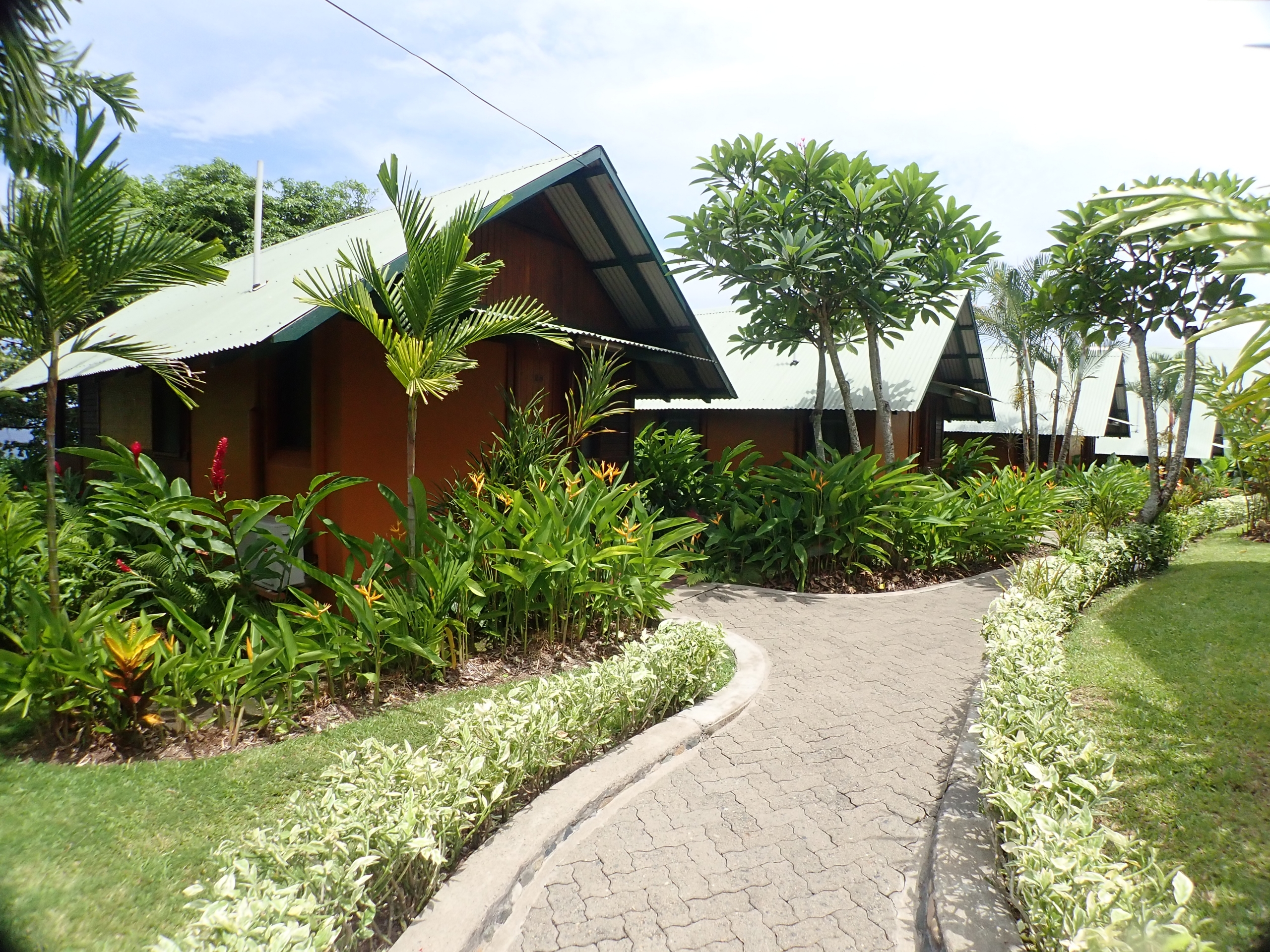 Kokopo Beach Waterfront Bungalows