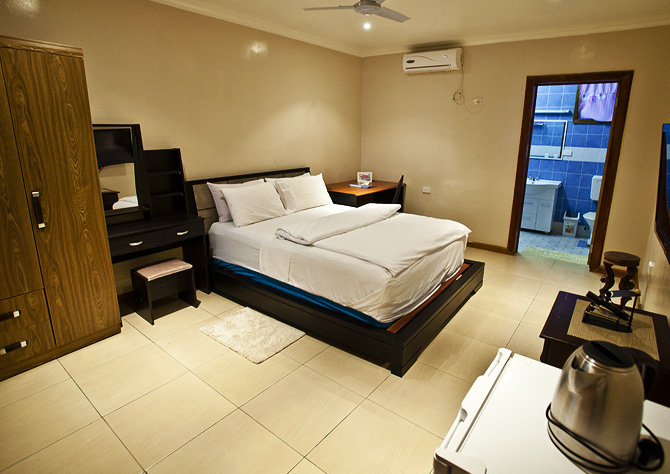 Seeadler Bay Hotel Deluxe Room (C) PNG Holidays